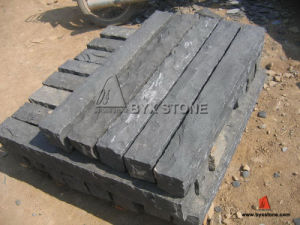 Chinese Black Basalt Natural Split Pillar/Palisaden pictures & photos