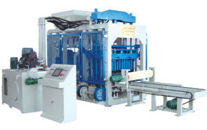 Qt8-15 Concrete Block Making Machine pictures & photos