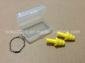 Waterproof and Soundproof Silicon Earplugs pictures & photos