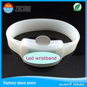 Debossed Logo with Coloring Silicon Wristband/Hand Band/Silicone Wristband pictures & photos