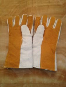Ceramic Fiber and Leather Gloves pictures & photos