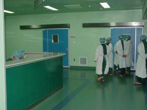 High Cleanliness Operating-Room in Hospital pictures & photos