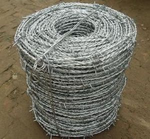 Hot-Dipped Galvanized Barbed Wire in Good Quality pictures & photos