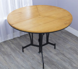 Solid Pine Wood Folding Table with High Quality pictures & photos