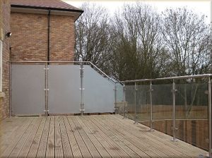 Hot Sales Glass Balustrade for Balconies with Frosted Tempered Glass pictures & photos