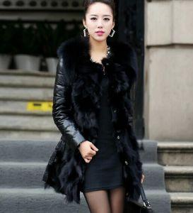 Ladies coat with fur collar – Novelties of modern fashion photo blog