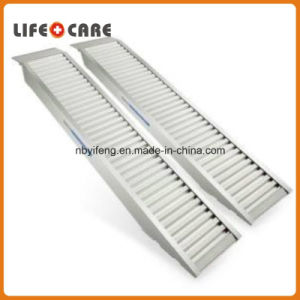 Loading ATV&Motorcycle Aluminum Ramp pictures & photos