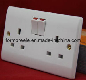 European Double Switch with Socket /Wall Switch /One Gang Switch pictures & photos