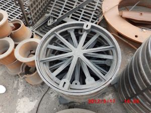 Round Ductile Iron Manhole Cover for Cement pictures & photos