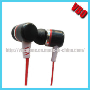 2014 New Stereo Earphone Headphone (10P2422) pictures & photos