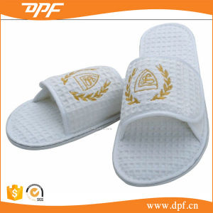 Cotton Waffle Series Hotel Slipper (DPFT80134) pictures & photos