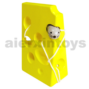 Wooden Lacing Toy with Cheese & Mouse (80159) pictures & photos
