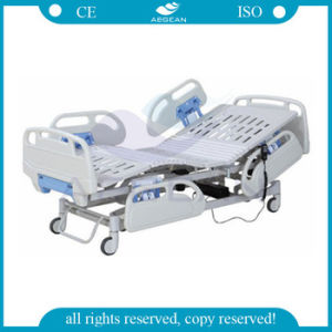 Electric Hospital Bed with Soft Joint Bed Board (AG-BY101) pictures & photos