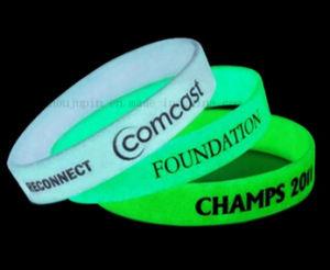 OEM Logo Glow in Dark Luminous Sport Silicone Bracelet pictures & photos
