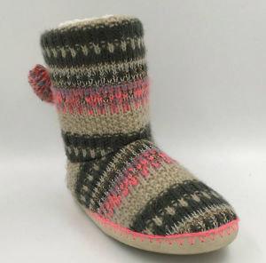 Lds Knit Indoor Slipper Boots pictures & photos