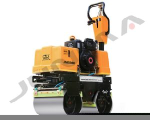 High Quality New 0.8t Double Drum Walk Behind Vibratory Roller pictures & photos