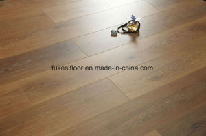 Natural Oak Synchronized Grain Laminate Flooring pictures & photos