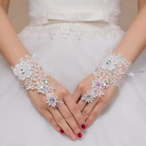Finger Glove Crystal Lace Bride Wedding Glove pictures & photos