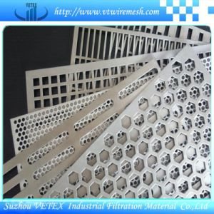 Various Shapes of Perforated Wire Mesh pictures & photos