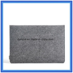 Simple Design Trendy Material of 70% Content Wool Felt Laptop Sleeve, Customized Factory Make Laptop Briefcase Bag with Button Closing pictures & photos