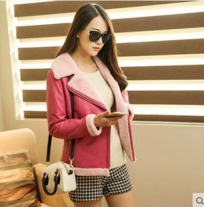Fashion Women′s Shearling Coat Short Style pictures & photos