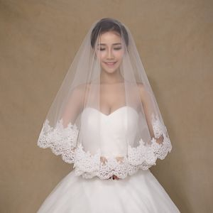 Simple Design One Layer Short Ivory Wedding Veils pictures & photos