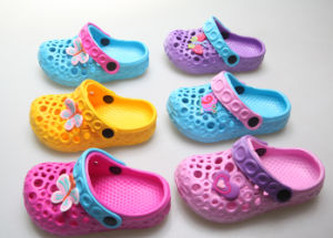 High Quality Design Children′s Clogs pictures & photos