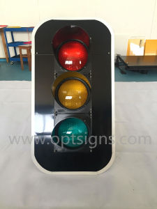 Hot Sale IP65 High Luminous Flashing Ryg Solar Signal Signs pictures & photos