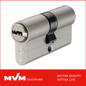 Door Lock Brass Cylinders with Thumbturn (P6P3030T) pictures & photos