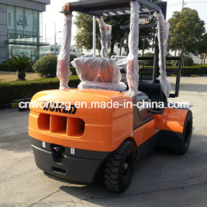 Diesel or Battery Forklift, Capacity 2ton to 5ton pictures & photos