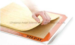 Heat Insulation Macaroon Silicone Mat for Baking Sm37 pictures & photos
