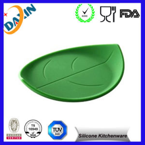 Custom Shaped Heat Resistant Decorative Silicone Table Mat pictures & photos