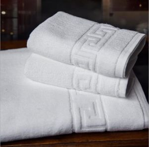 Popular Latest Fancy Jacquard Design Towel Superior Water Absorption pictures & photos
