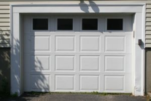 Modern Garage Doors Wood Garage Door (Hz-FC06320) pictures & photos
