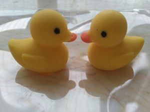 Cartoon Yellow Duck Shape Toy Chocolate Gift pictures & photos