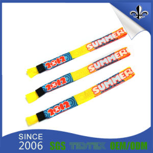 Factory Cheap Custom Polyester Festival Fabric Woven Wristbands pictures & photos
