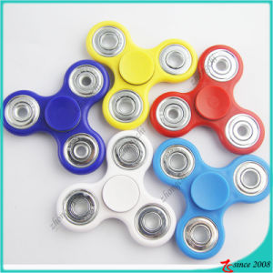 Factory Supply High Quality 2017 Top Sale Multi-Colors Plastic Fidget Spinner Focus Hand Spinner Toy pictures & photos