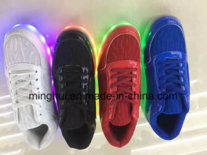 Wholesale Shoes USB Charger Light up LED Shoes for Women pictures & photos