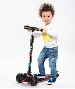 3 Wheel Kids Scooter Cheap Multi-Functional Foot Scooter for Kids pictures & photos