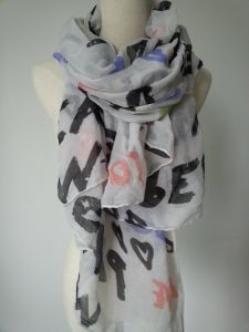 Fashoin Accessories Laidies 100% Polyester Printing Letters Scarf Fashion Shawl pictures & photos