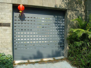 Aluminum Wind Resistant Good Quality Bullet Proof Vertical Rolling Shutter Garage Door pictures & photos
