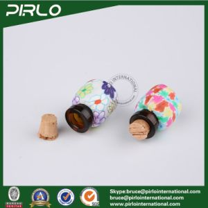 2ml Amber Color Glass Bottle with Polymer Clay Surface Small Mini Perfume Glass Vial with Cork Stopper Pendant Cosmetic Bottle pictures & photos