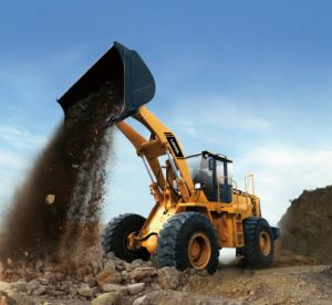 High Quality 5t Four Wheel Loader pictures & photos
