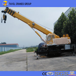 Made in China Truck Crane for Contruction Building pictures & photos