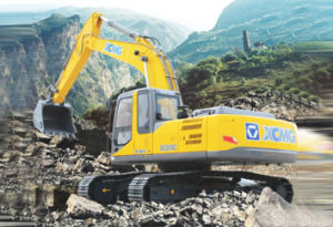 XCMG Excavator with Isuzu Engine (model: XE265C) pictures & photos