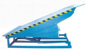 CE Approved Warehouse Truck Lifting Dock Ramp pictures & photos
