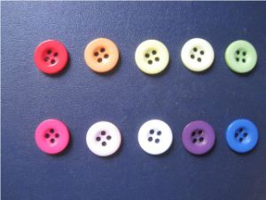 Eco-Friendly Tests Approved Polyester Resin Shirt Button pictures & photos