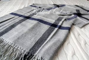 Worsted Cashmere Shawl with Check Pattern-Cashmere Scarf pictures & photos