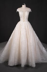 Elegant Beads Lace Capped Sleeve Wedding Dress pictures & photos