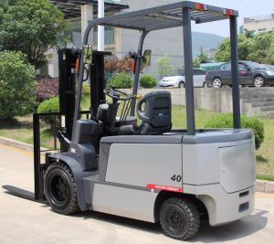 4.5ton Triplex Mast Electric Forklift with Cushion Tire pictures & photos
